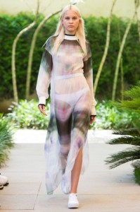 Referência a lingeria por Vitorino Campos